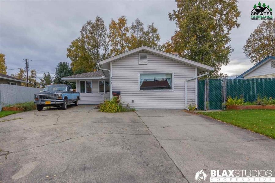 276 BENTLEY DRIVE, Fairbanks, Alaska 99701, 3 Bedrooms Bedrooms, ,2 BathroomsBathrooms,Residential,For Sale,BENTLEY DRIVE,145127