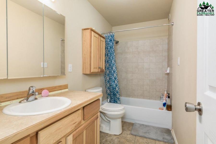 2617 17TH AVENUE, Fairbanks, Alaska 99701, 3 Bedrooms Bedrooms, ,3 BathroomsBathrooms,Residential,For Sale,17TH AVENUE,145135