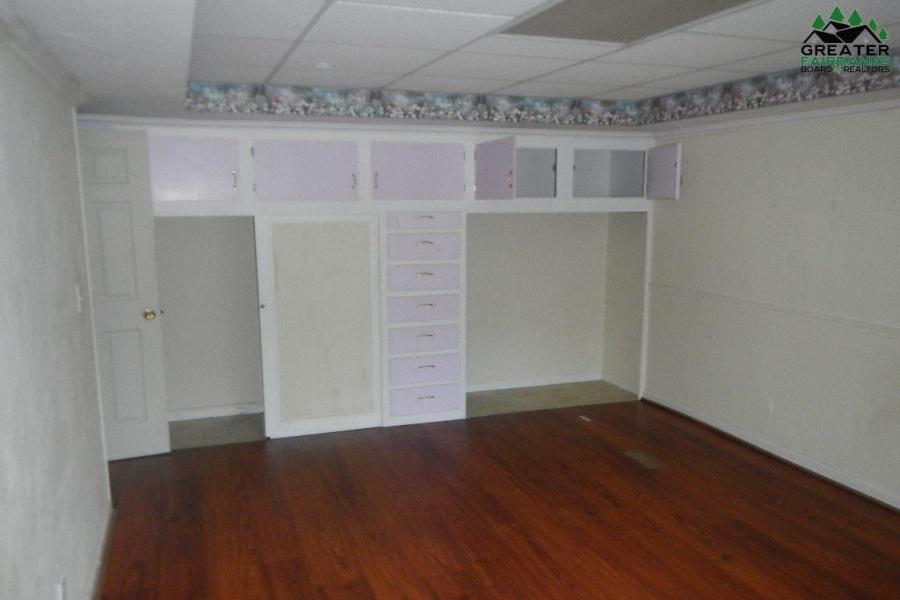 1071 VICTOR STREET, North Pole, Alaska 99705, 2 Bedrooms Bedrooms, ,4 BathroomsBathrooms,Residential,For Sale,VICTOR STREET,145179