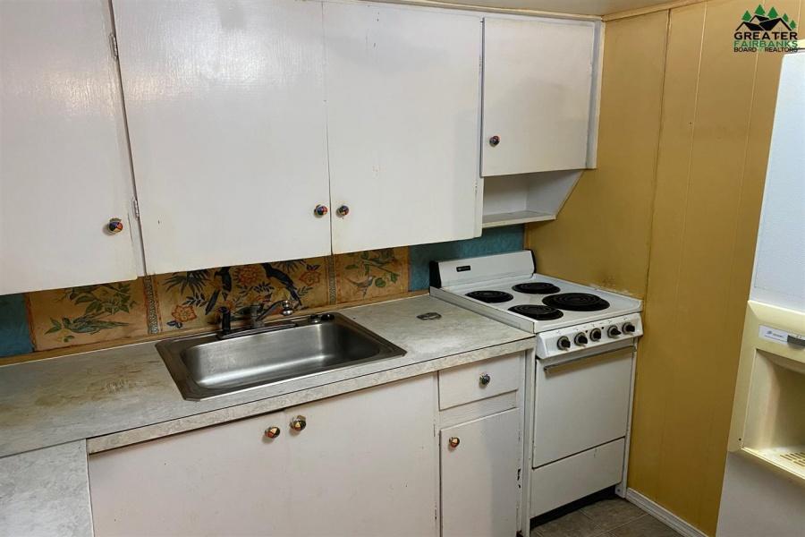 15 ROSELLA AVENUE, Fairbanks, Alaska 99701, 3 Bedrooms Bedrooms, ,1 BathroomBathrooms,Residential,For Sale,ROSELLA AVENUE,145374
