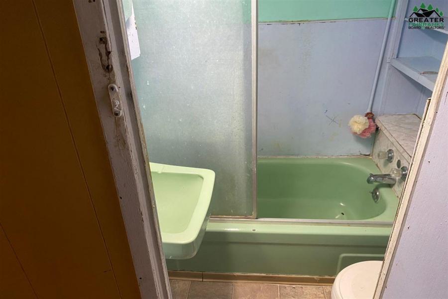 15 ROSELLA AVENUE, Fairbanks, Alaska 99701, 3 Bedrooms Bedrooms, ,1 BathroomBathrooms,Residential,For Sale,ROSELLA AVENUE,145467