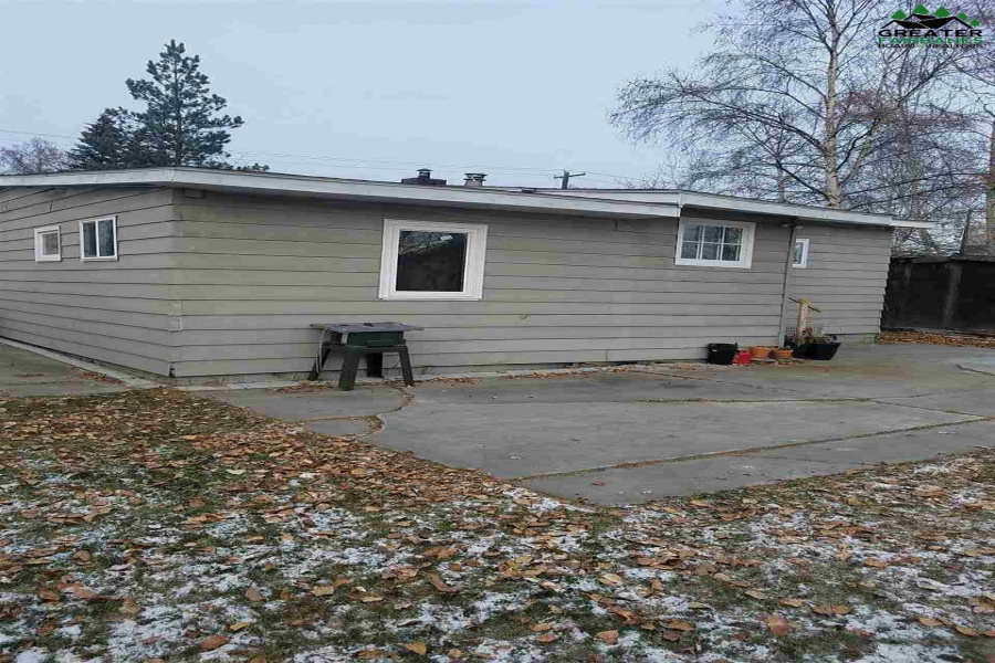 713 17TH AVENUE, Fairbanks, Alaska 99701-6126, 2 Bedrooms Bedrooms, ,1 BathroomBathrooms,Residential,For Sale,17TH AVENUE,145524