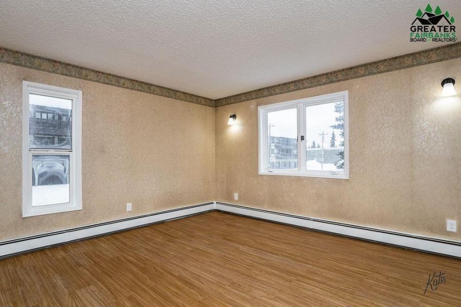 16 GLACIER AVENUE, Fairbanks, Alaska 99701, 2 Bedrooms Bedrooms, ,1 BathroomBathrooms,Residential,For Sale,GLACIER AVENUE,145568