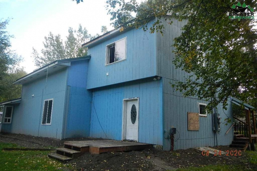 1071 VICTOR STREET, North Pole, Alaska 99705, 2 Bedrooms Bedrooms, ,4 BathroomsBathrooms,Residential,For Sale,VICTOR STREET,145607