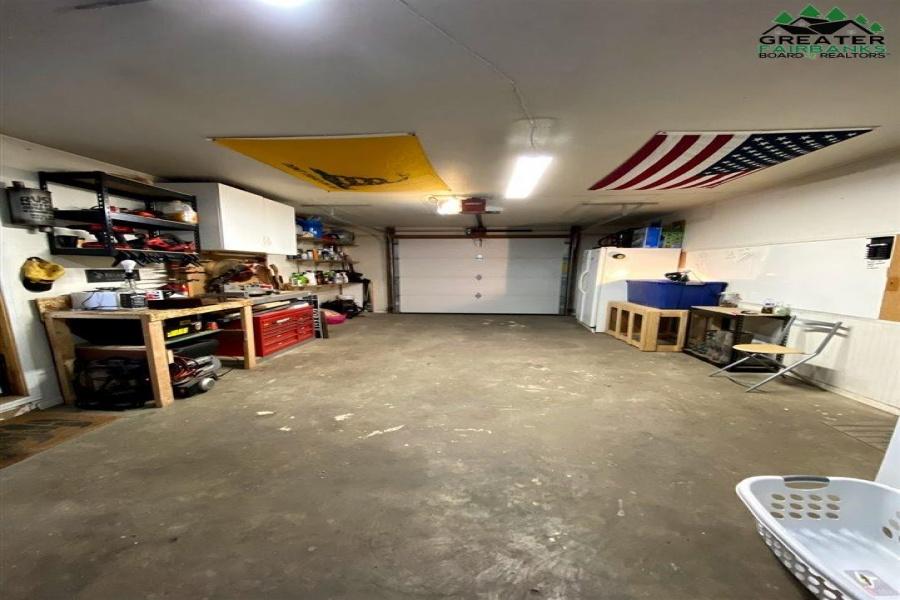 1195 LAKE DRIVE, North Pole, Alaska 99705, 3 Bedrooms Bedrooms, ,2 BathroomsBathrooms,Residential,For Sale,LAKE DRIVE,145614